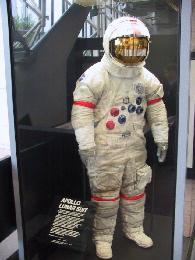 apollo lunar space suit - photo #17